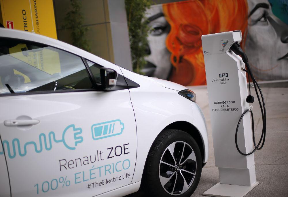 Renault lança serviço de car sharing em parceria com Cubo Itaú
