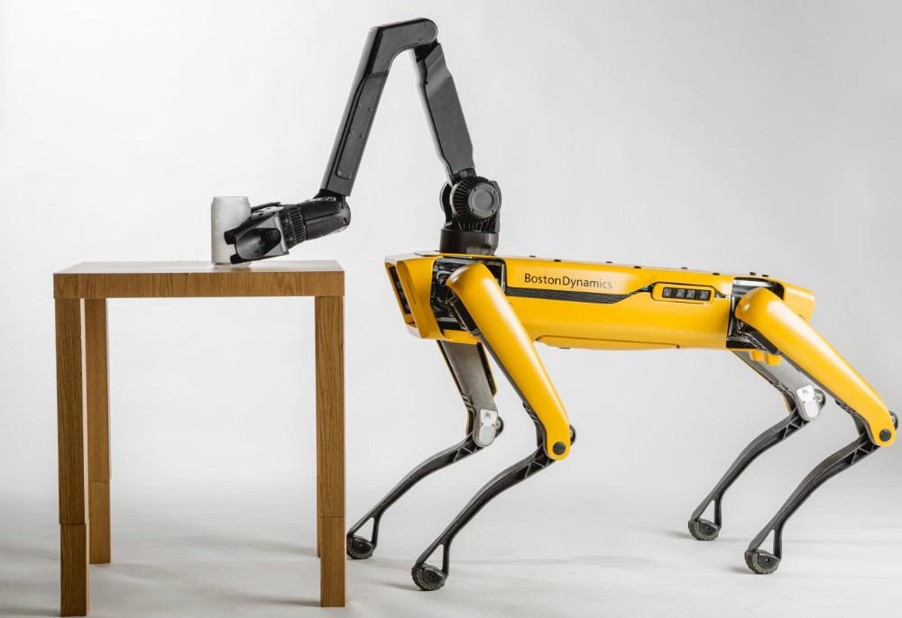 Robô que inspirou série Black Mirror pode chegar ao mercado até o fim do ano