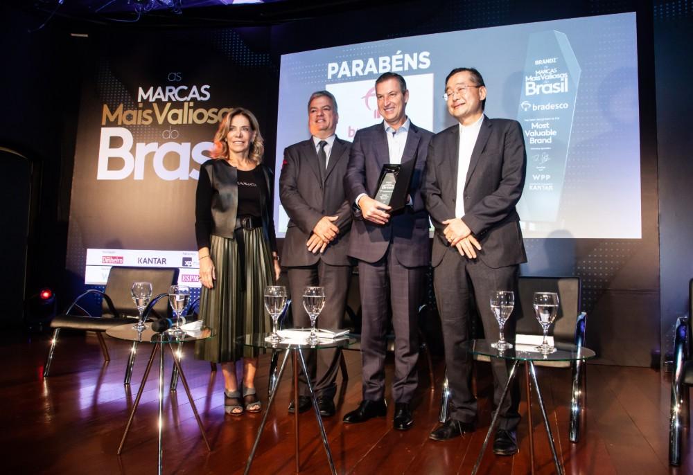 ddbe719f3 Presidente do Bradesco, Octavio de Lazari Junior, recebe prêmio de marca  mais valiosa do Brasil. Crédito: Douglas Luccena