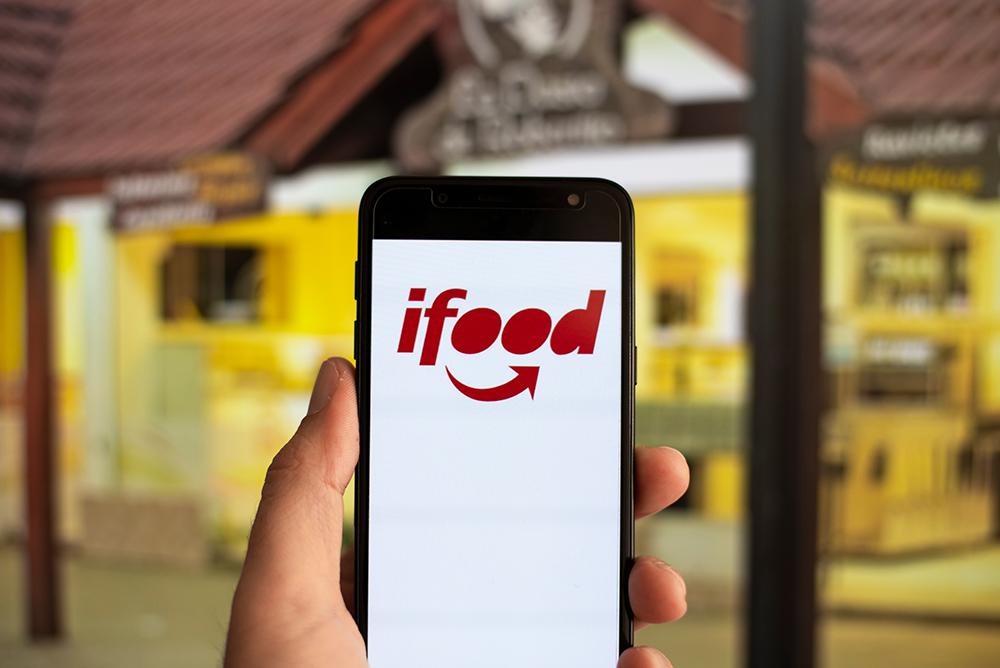 """""""Tecnologia caminha ao lado da humanização"""", diz novo diretor do iFood"""