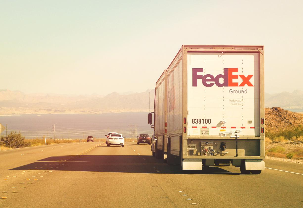 FedEx e Microsoft se juntam em competição contra a Amazon