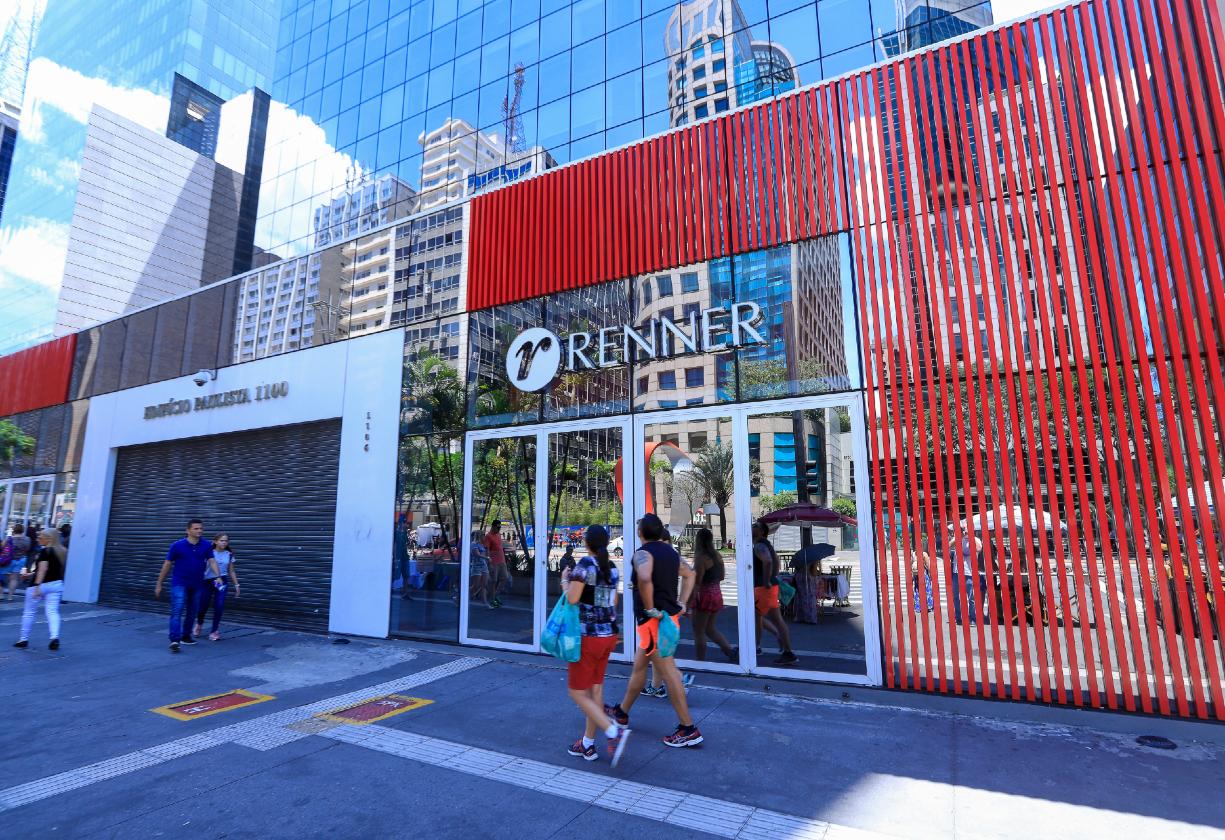 Parceria entre Sebrae e Lojas Renner vai beneficiar pequenos varejistas de moda