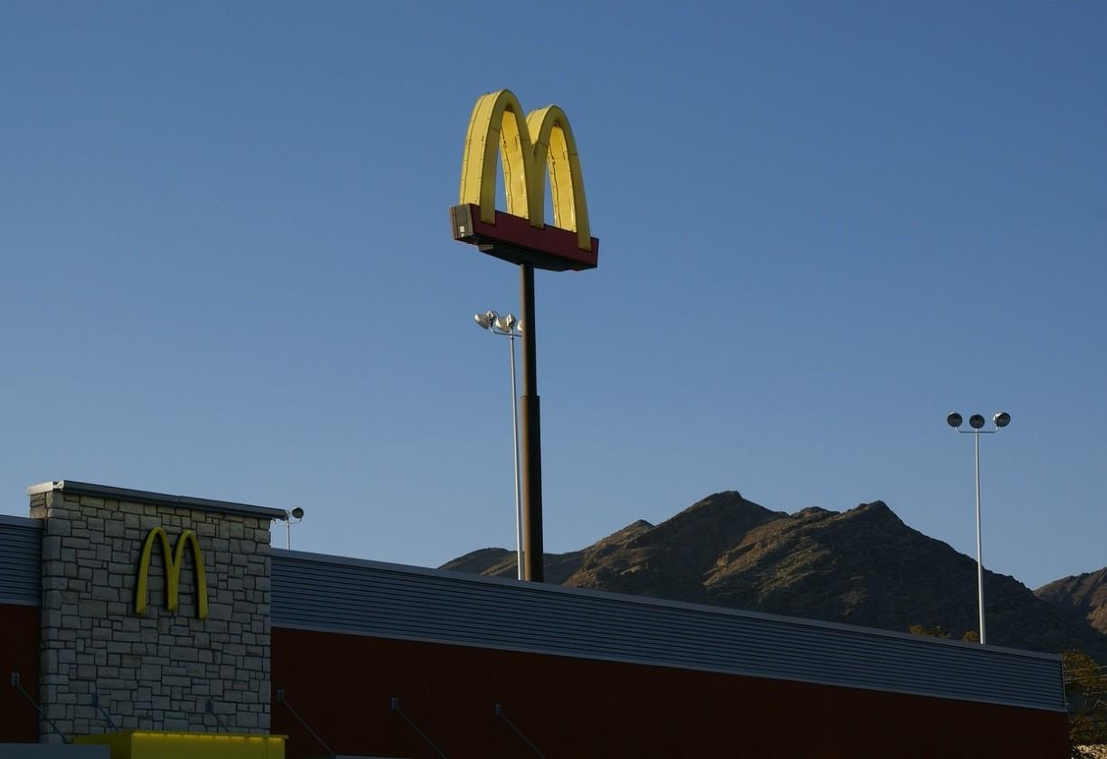 McDonald's processa ex-CEO Steve Easterbrook; entenda acusações