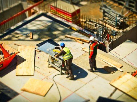 Confiança da indústria sobe novamente na prévia de setembro