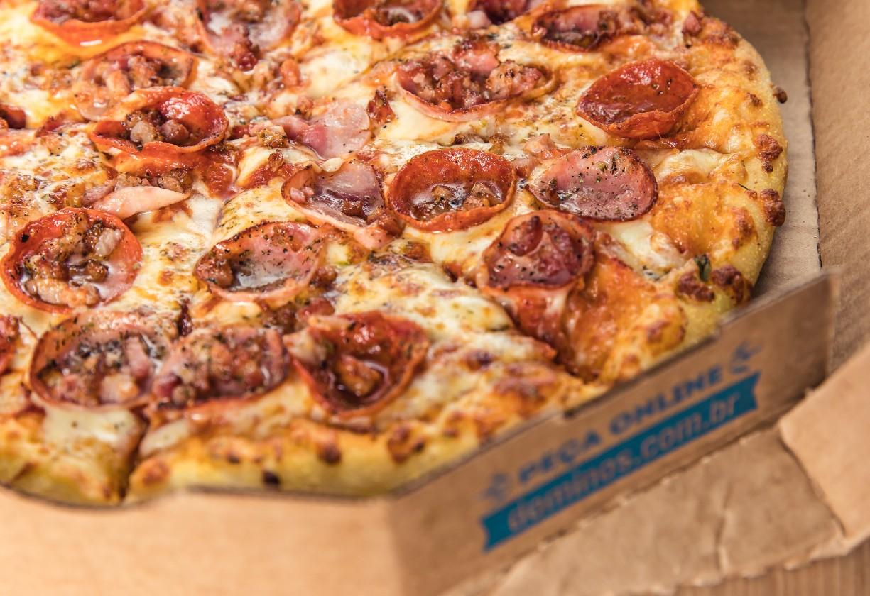 Domino's Pizza_Calabresa (1)