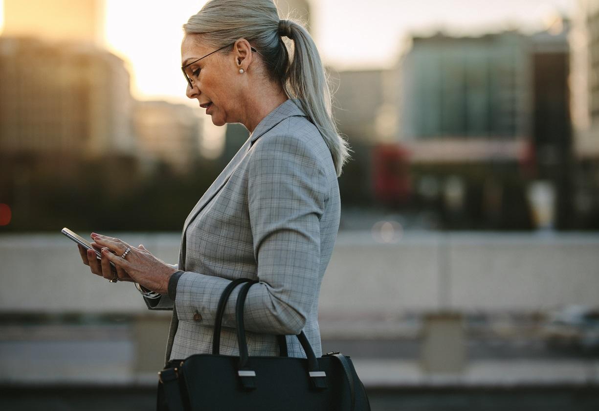 Mercantil do Brasil adota uso de app, chatbot e WhatsApp