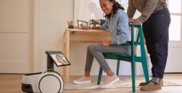 Amazon lança Astro, seu primeiro robô-assistente residencial